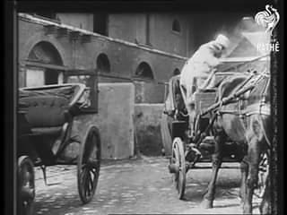 Le quotidien des Parisiens en 1900 en vidéo
