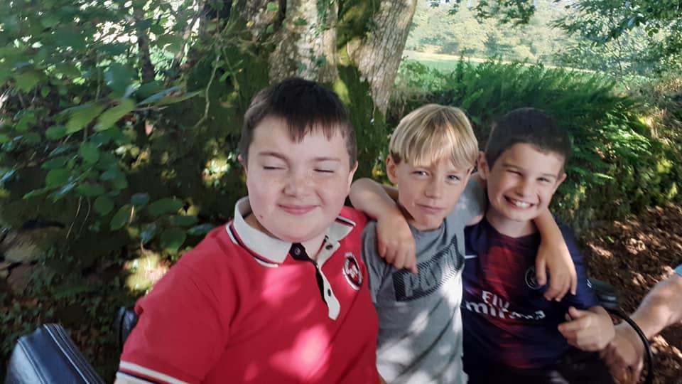 Hugo et ses copains en calèche.